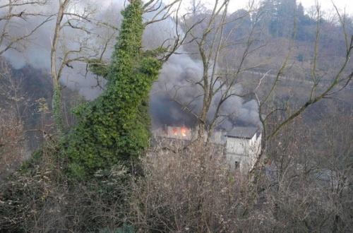Carate Brianza, a fuoco l\'ex Bernini - Giornale di Monza