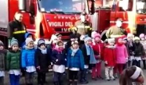 Carate Brianza, bambini in visita alla caserma dei pompieri