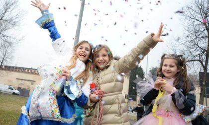Carnevale a Monza, le scuole in corteo