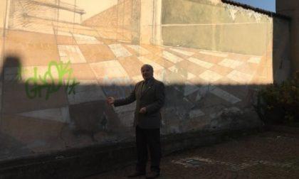 """Cesano Maderno, graffiti e sosta selvaggia: """"Così si distrugge un angolo storico"""""""