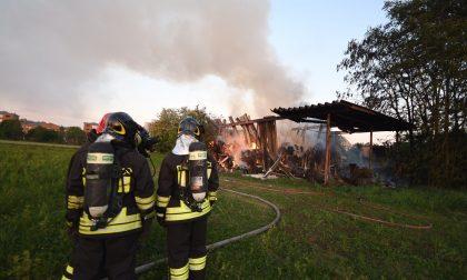 Incendio tra Nova e Cinisello: è allarme eternit