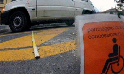 Desio, parcheggi per i disabili sulle strisce blu: gratis la prima ora
