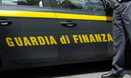 Guardia di finanza, maxi sequestro di droga. 127 chili di marijuana e due trafficanti in manette
