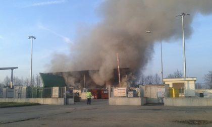 In fiamme la discarica comunale di Lissone (VIDEO)