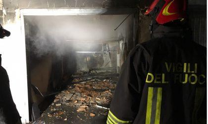 Incendio questa sera a San Rocco, garage ridotto in cenere