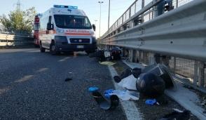 Incidente in moto sul cavalcavia di Monza, 17enne trasportato al Niguarda in elisoccorso