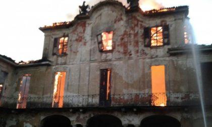 Limbiate, brucia villa Medolago
