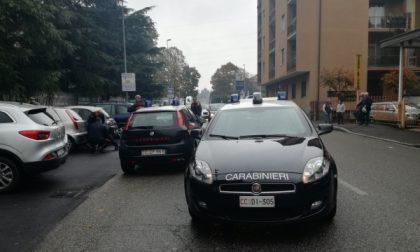 Monza, via Amati: arresto dei Carabinieri sotto gli occhi dei passanti