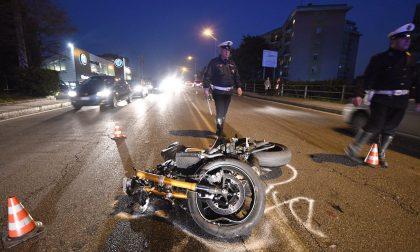 Moto contro un'auto a San Rocco di Monza: grave il centauro