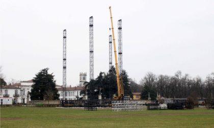 Nel Parco di Monza sta prendendo forma il palco di Papa Francesco