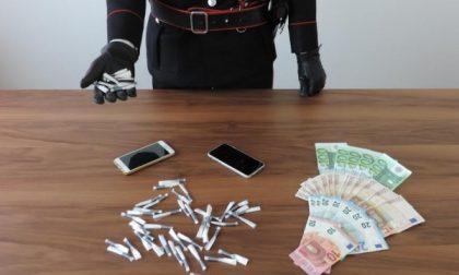 Nelle mutande nascondeva  51 dosi di cocaina, in manette 23enne desiano