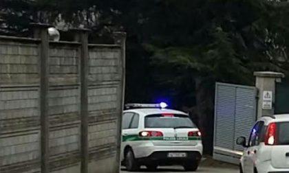Precipita dal lucernario e muore: tragico incidente in via Cava
