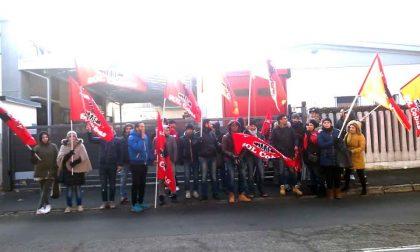 Protesta a Muggiò, lavoratori Toncar sulle barricate