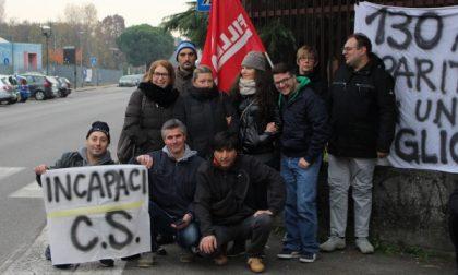 """Salta l'accordo sindacale, nuova protesta degli operai davanti alla """"Colombo Stile"""""""