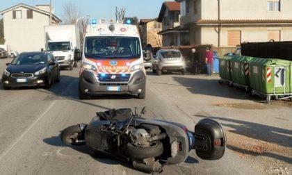 Seregno: in moto contro un'auto, centauro ferito