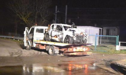 Seregno: schianto con l'auto nella notte, due morti fra le fiamme
