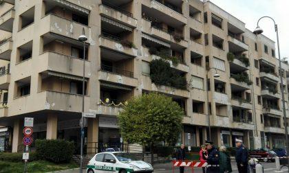 Tragedia in centro, si lancia nel vuoto ex autista di Gucci