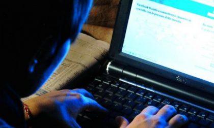 Ventenne inneggiava alla pedofilia su Facebook