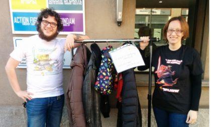 Vimercate: i cappotti sospesi vanno a ruba