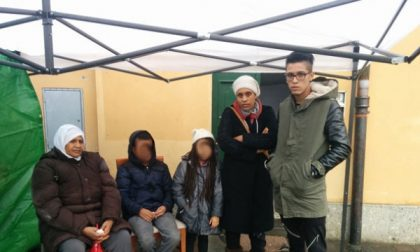 Vimercate: sfrattatati dalla casa, traslocano sotto un gazebo