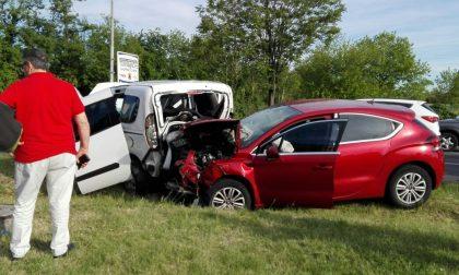 Monza, carambola tra tre auto su viale delle Industrie