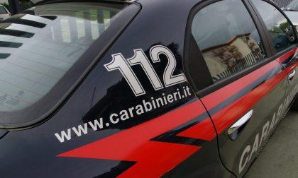 Ruba 15mila euro in buoni fruttiferi postali, arrestato