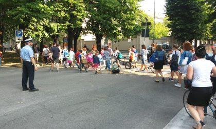 A scuola a piedi: un divertimento per alunni e genitori