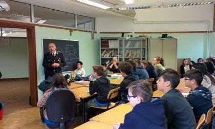 Ragazzi a lezione dai Carabinieri per sconfiggere il bullismo