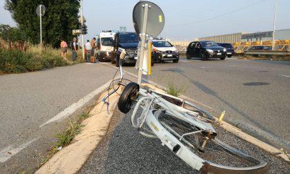 Brutto incidente a Monza, ragazzino investito in bici