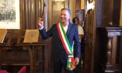 Il nuovo sindaco di Monza Allevi si è insediato nel suo ufficio in Municipio