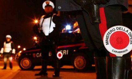 Sfugge all'alt e aggredisce i Carabinieri, coppia denunciata