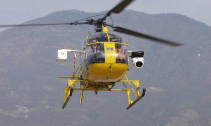 Ispezioni delle linee elettriche in elicottero a Monza
