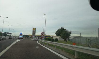 Incidente in tangenziale code dal meratese verso Milano