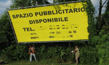 Pubblicità abusiva, 10 aziende brianzole sanzionate – FOTO