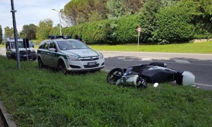 Lesmo, grave malore per un motociclista