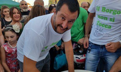 """Salvini a Lazzate: """"Dove c'è la Lega non ci saranno clandestini"""" – LE FOTO"""