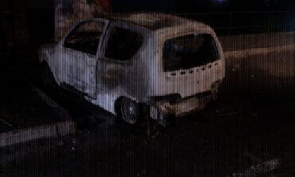 Un'altra auto bruciata a Giussano