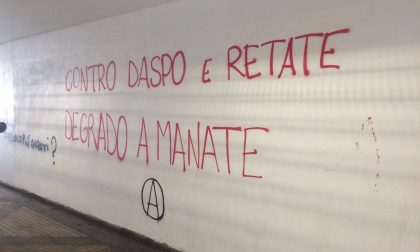 """La """"sagra dell'ignoranza"""" sui muri di Monza"""