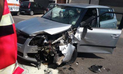 Coppia brianzola si schianta in macchina a Fondi, morta 72enne di Seveso