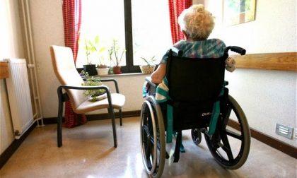 """Trasferire i pazienti in via di guarigione nelle Rsa. I sindacati """"Si rischia di rendere sacrificabili gli anziani"""""""