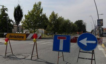 Viale Libertà chiusa al traffico: deviazioni e disagi per auto e bus