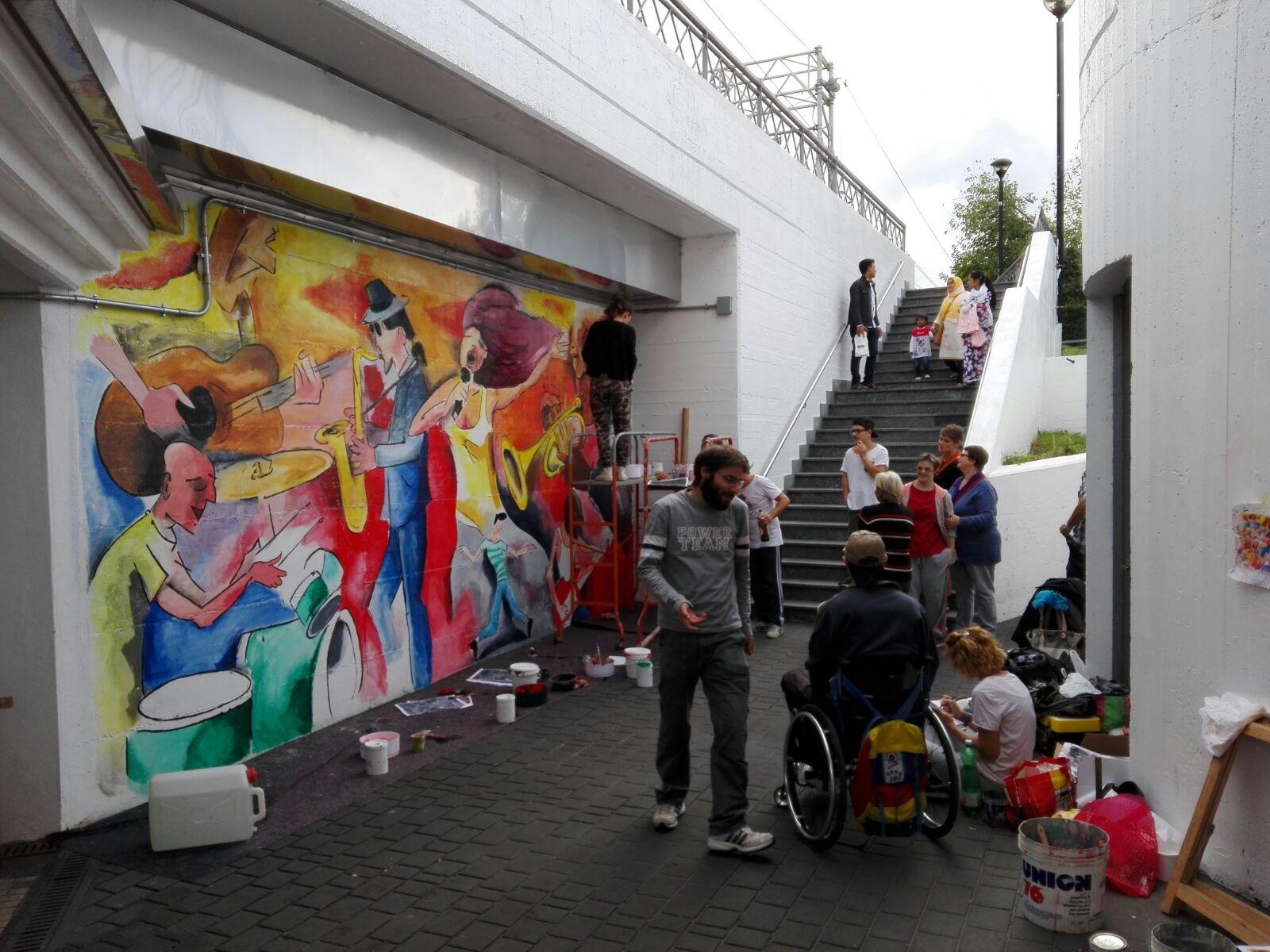Forza Nuova contro l'arte: polemica in via Rota