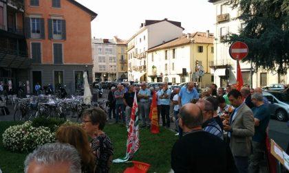 Monza: ex lavoratori Bames davanti ai cancelli del Tribunale