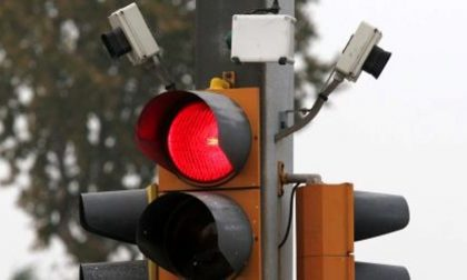 """Correzzana: via Principale più sicura con tre semafori """"intelligenti"""""""