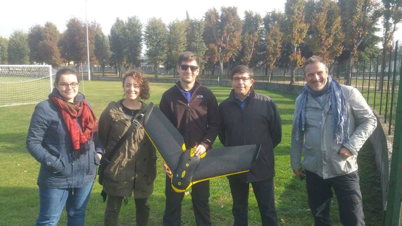Drone in volo per scovare l'amianto