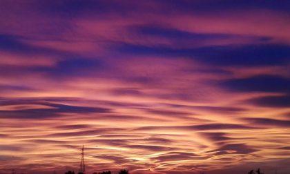 Spettacolare tramonto nel cielo brianzolo