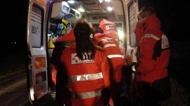Incidenti stradali: scontro in A5, un morto e 6 feriti