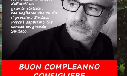 Arcore, Zucchi come Berlusconi: sui manifesti gli auguri di buon compleanno