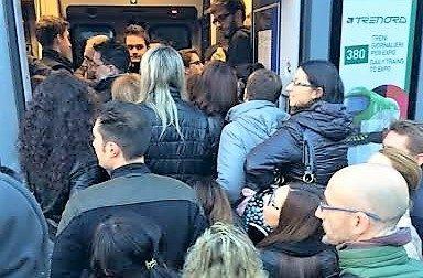 Troppi disagi per i pendolari presidio a Varedo