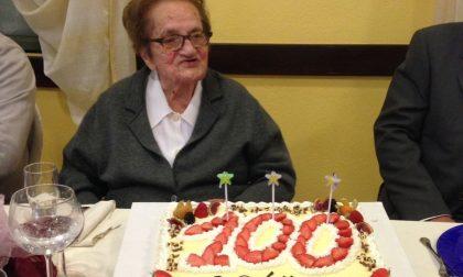 Grande festa per la centenaria che ricorda il cuoco del Duce